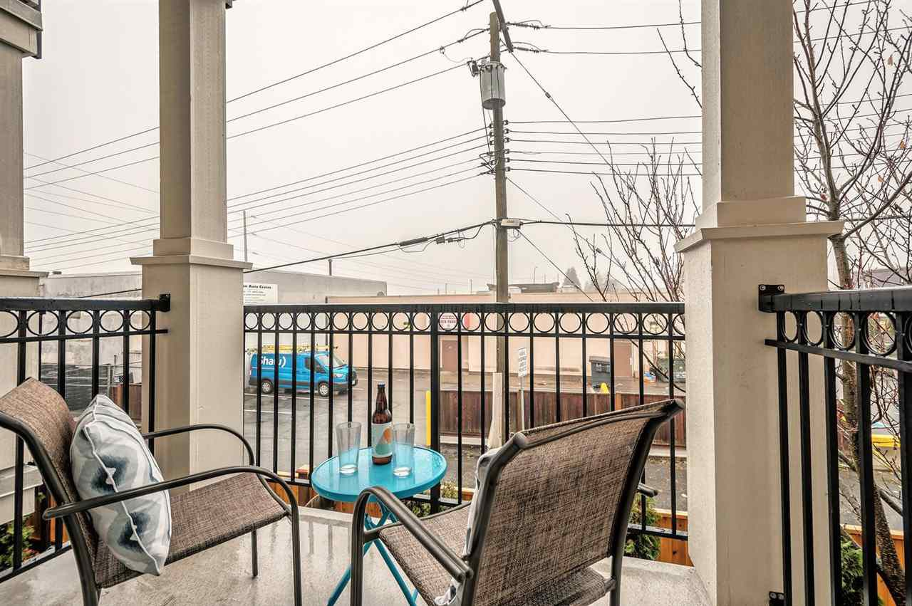 """Photo 15: Photos: 15 6708 ARCOLA Street in Burnaby: Highgate Townhouse for sale in """"HIGHGATE RIDGE"""" (Burnaby South)  : MLS®# R2224034"""