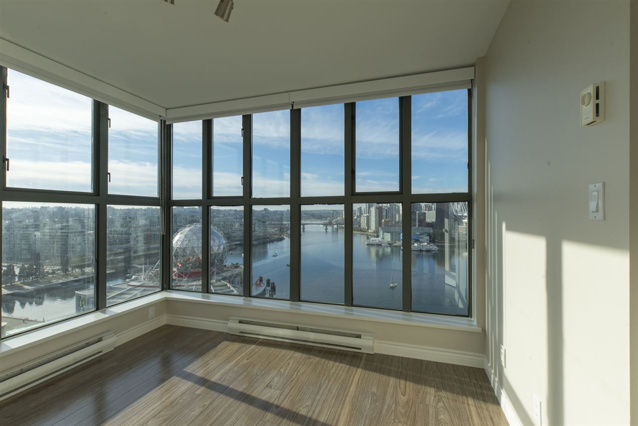 """Photo 11: Photos: 1905 1128 QUEBEC Street in Vancouver: Mount Pleasant VE Condo for sale in """"THE NATIONAL"""" (Vancouver East)  : MLS®# R2232561"""