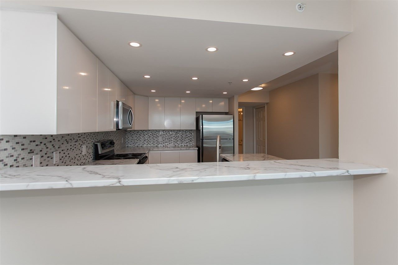 """Photo 13: Photos: 1905 1128 QUEBEC Street in Vancouver: Mount Pleasant VE Condo for sale in """"THE NATIONAL"""" (Vancouver East)  : MLS®# R2232561"""