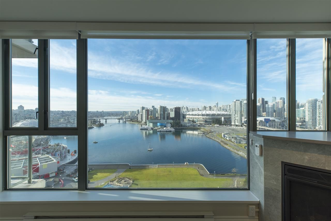 """Photo 2: Photos: 1905 1128 QUEBEC Street in Vancouver: Mount Pleasant VE Condo for sale in """"THE NATIONAL"""" (Vancouver East)  : MLS®# R2232561"""