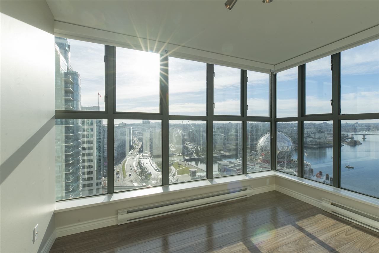 """Photo 9: Photos: 1905 1128 QUEBEC Street in Vancouver: Mount Pleasant VE Condo for sale in """"THE NATIONAL"""" (Vancouver East)  : MLS®# R2232561"""