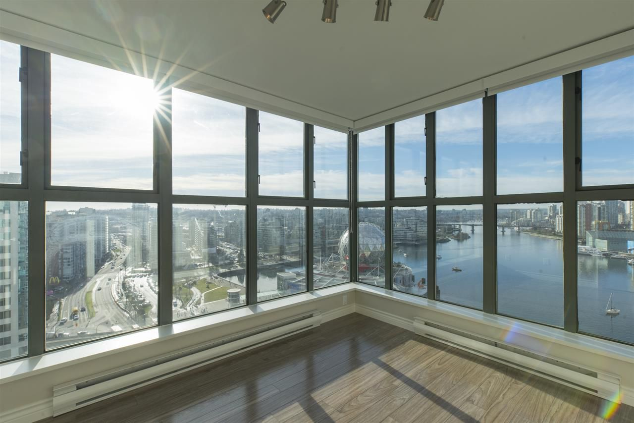 """Photo 10: Photos: 1905 1128 QUEBEC Street in Vancouver: Mount Pleasant VE Condo for sale in """"THE NATIONAL"""" (Vancouver East)  : MLS®# R2232561"""
