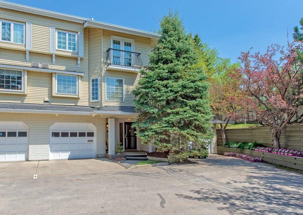 Main Photo: 180 3335 42 Street NW in Calgary: Varsity House for sale : MLS®# C4185704
