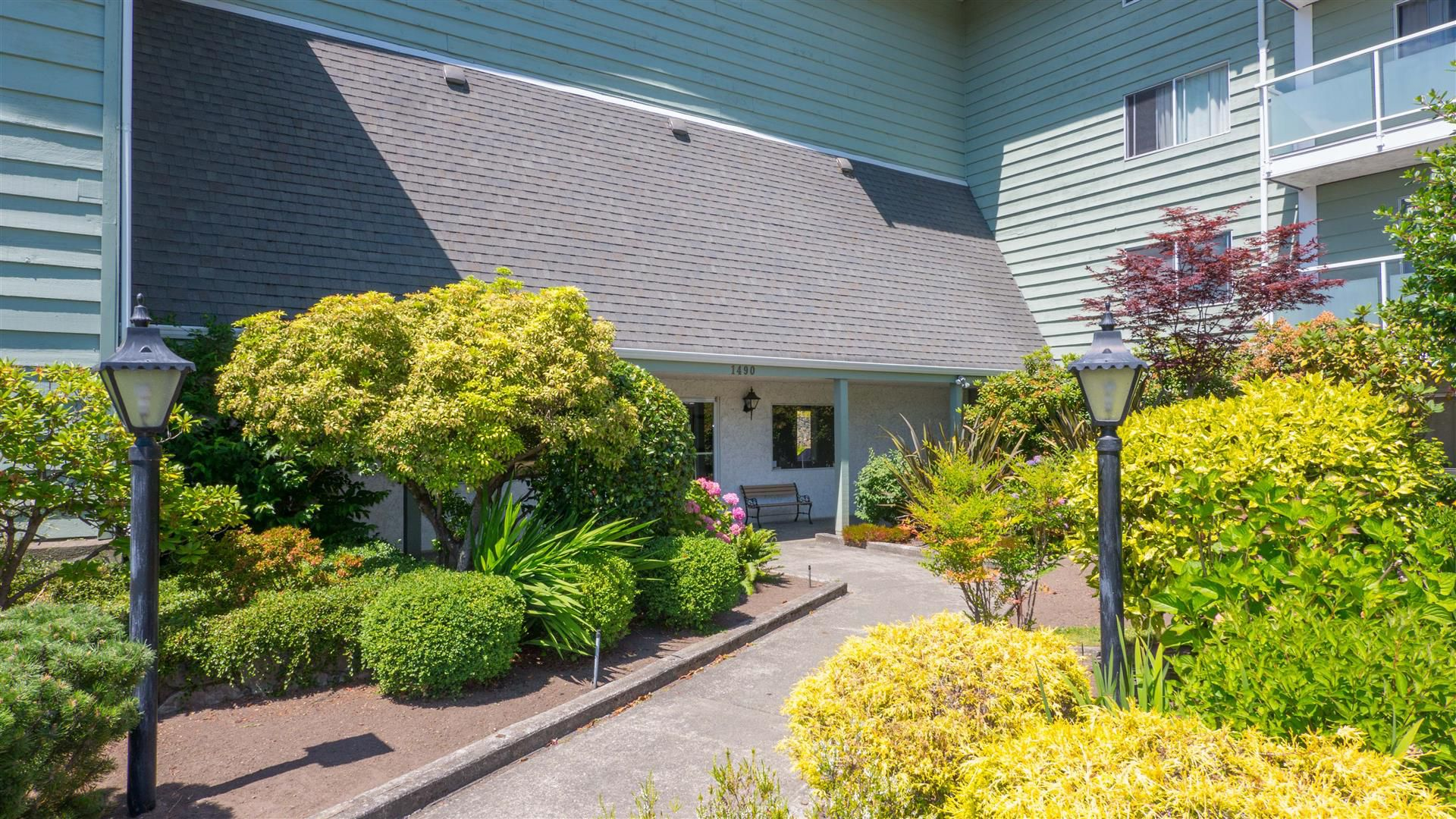 Main Photo:  in VICTORIA: SE Cedar Hill Condo Apartment for sale (Saanich East)  : MLS®# 394783