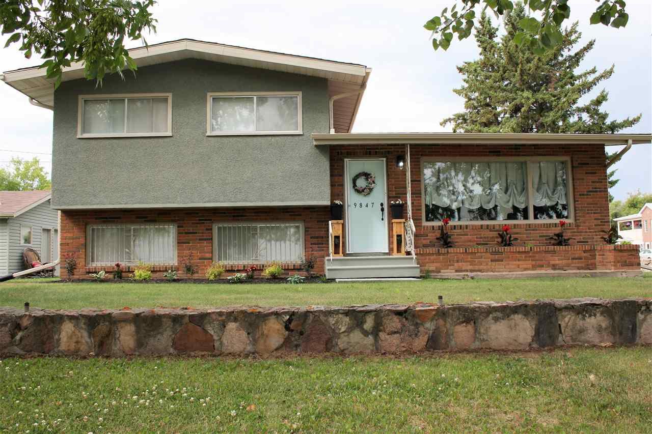 Main Photo: 9847 106 Street: Westlock House for sale : MLS®# E4121017