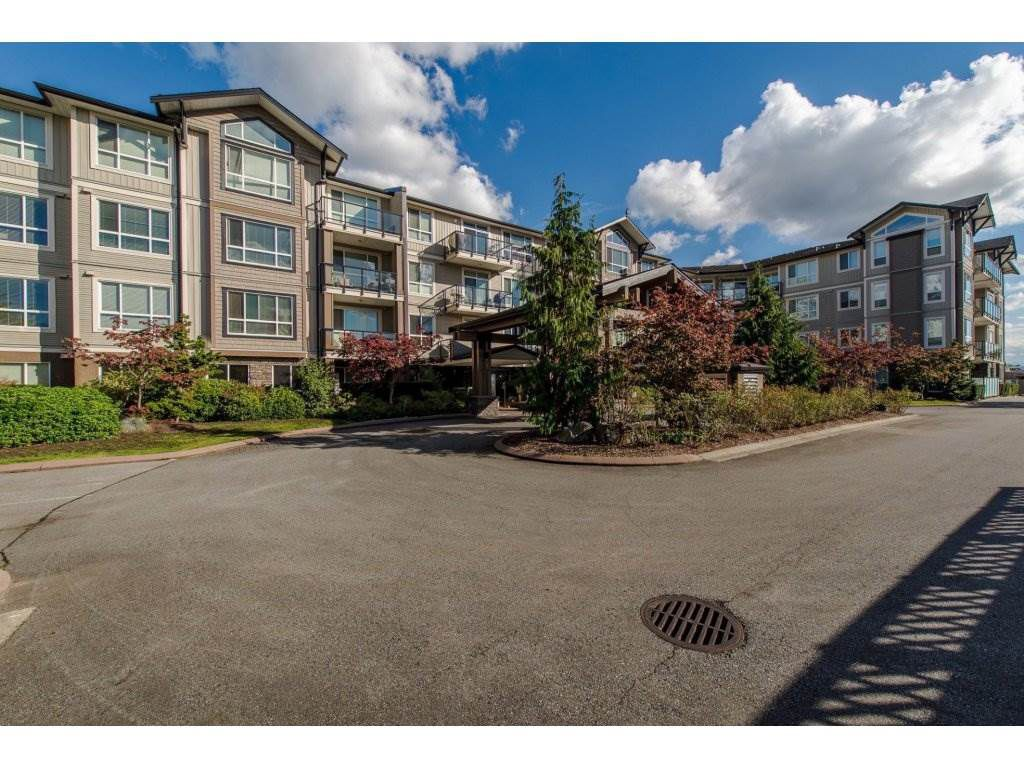 "Main Photo: 221 32729 GARIBALDI Drive in Abbotsford: Abbotsford West Condo for sale in ""Garibaldi Lane"" : MLS®# R2308339"
