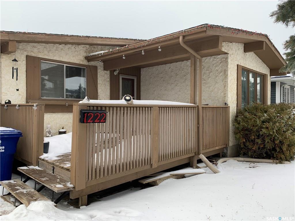 Main Photo: 1222 Mckercher Drive in Saskatoon: Wildwood Residential for sale : MLS®# SK753614