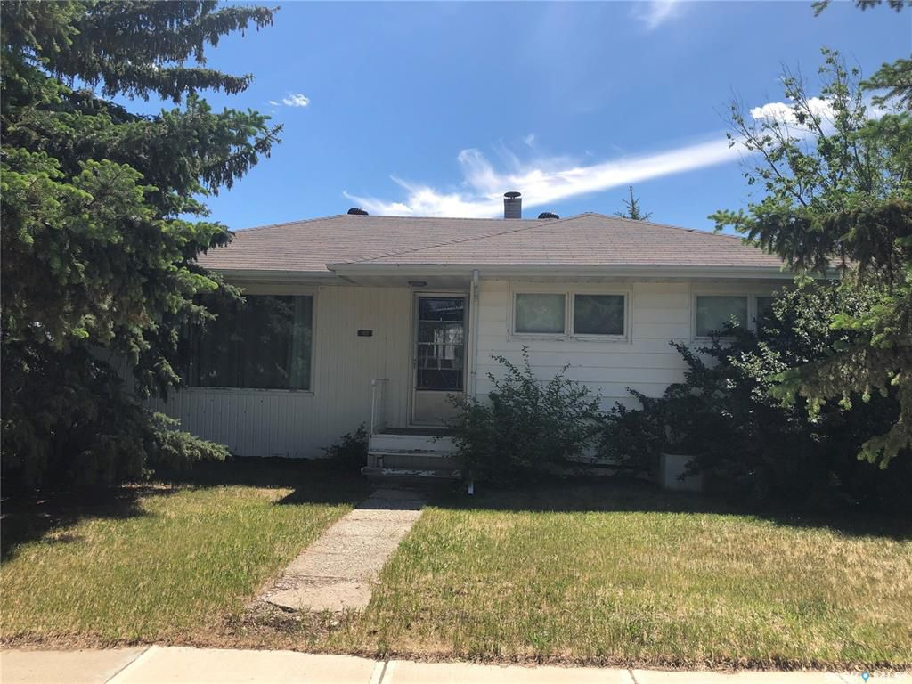 Main Photo: 308 3rd Street North in Cabri: Residential for sale : MLS®# SK776194