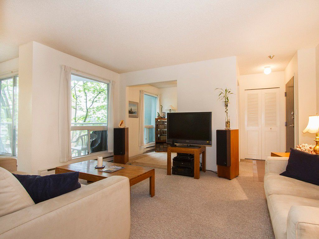 """Main Photo: 405 1510 W 1ST Avenue in Vancouver: False Creek Condo for sale in """"MARINERS POINT"""" (Vancouver West)  : MLS®# V1120464"""