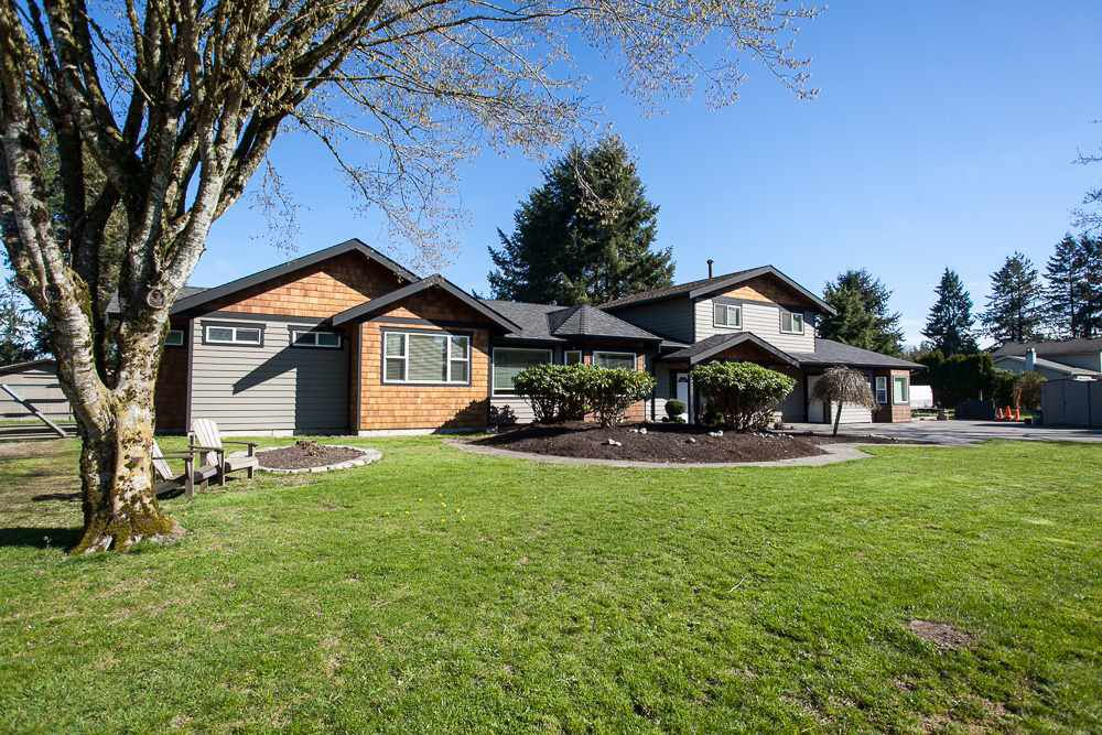 """Main Photo: 23737 46B Avenue in Langley: Salmon River House for sale in """"Strawberry Hills"""" : MLS®# R2048347"""
