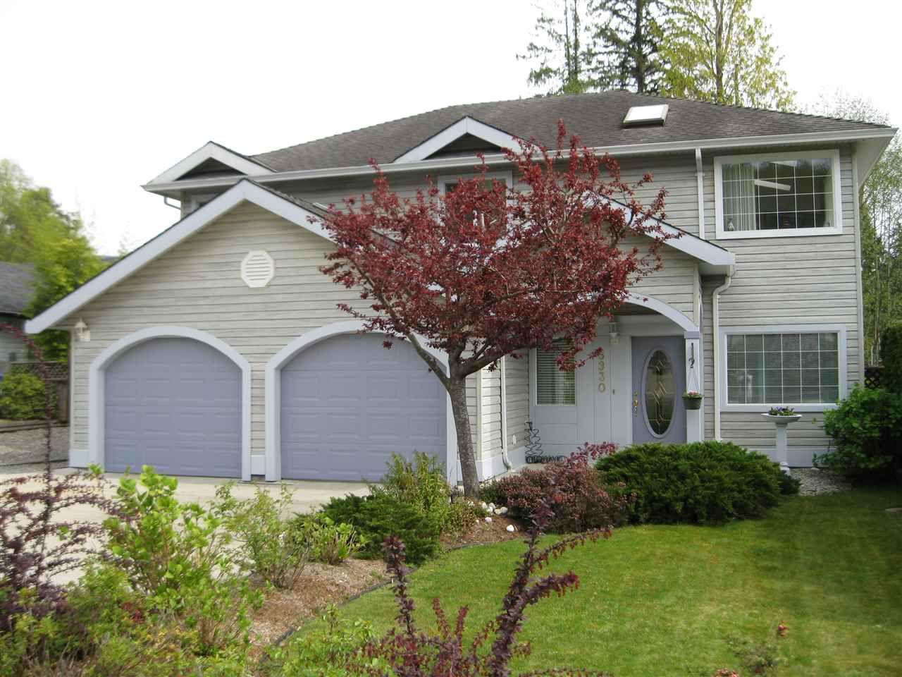 Main Photo: 5930 ST. ANDREWS Place in Sechelt: Sechelt District House for sale (Sunshine Coast)  : MLS®# R2059758