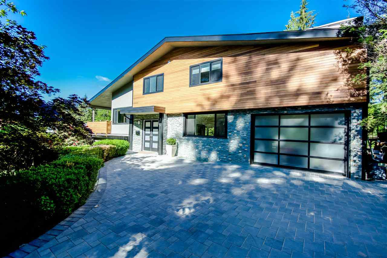 Main Photo: 5257 SONORA Drive in North Vancouver: Canyon Heights NV House for sale : MLS®# R2067302
