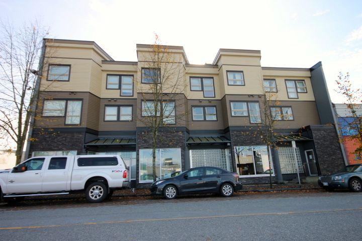Main Photo: 205 22720 119TH Avenue in Maple Ridge: East Central Condo for sale : MLS®# R2117517
