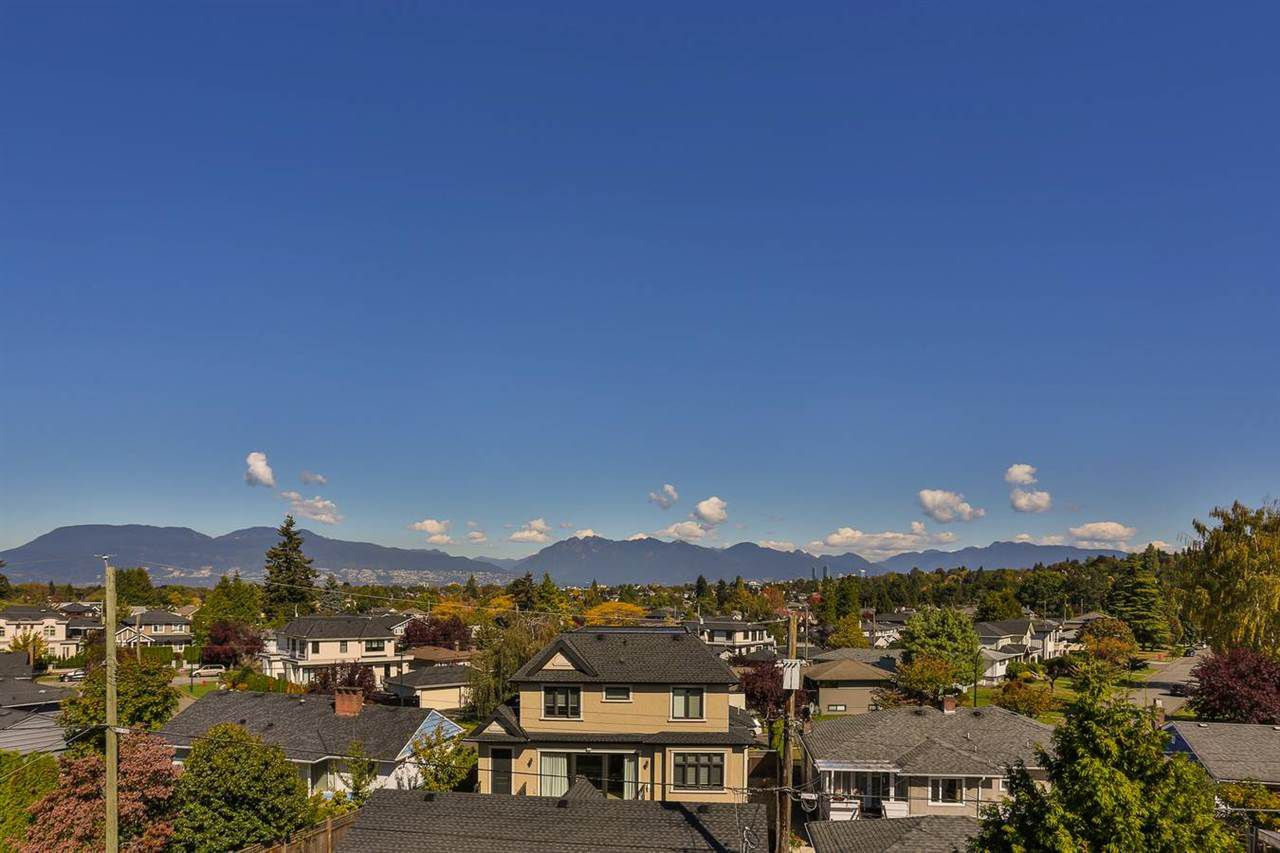 Main Photo: 2507 EDGAR Crescent in Vancouver: Quilchena House for sale (Vancouver West)  : MLS®# R2131919