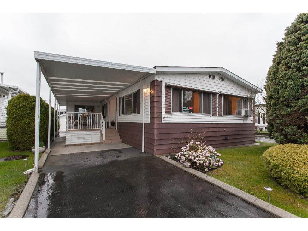 "Main Photo: 106 2303 CRANLEY Drive in Surrey: King George Corridor Manufactured Home for sale in ""Sunnyside"" (South Surrey White Rock)  : MLS®# R2150906"