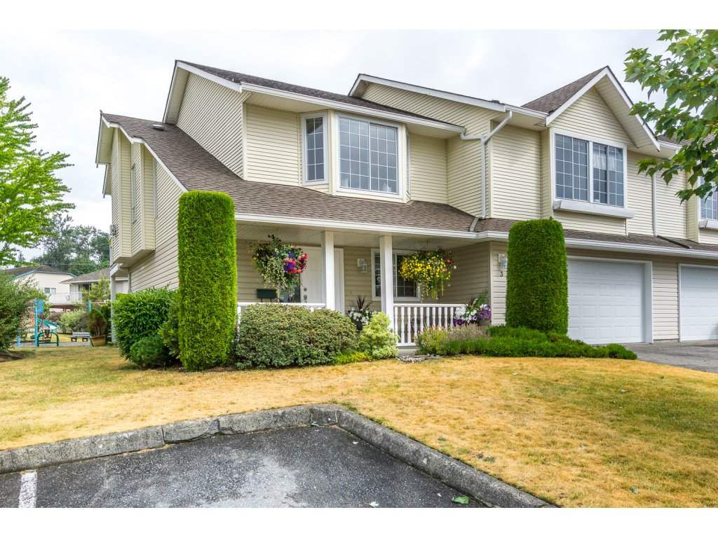 "Main Photo: 3 31255 UPPER MACLURE Road in Abbotsford: Abbotsford West Townhouse for sale in ""COUNTRY LANE"" : MLS®# R2190433"