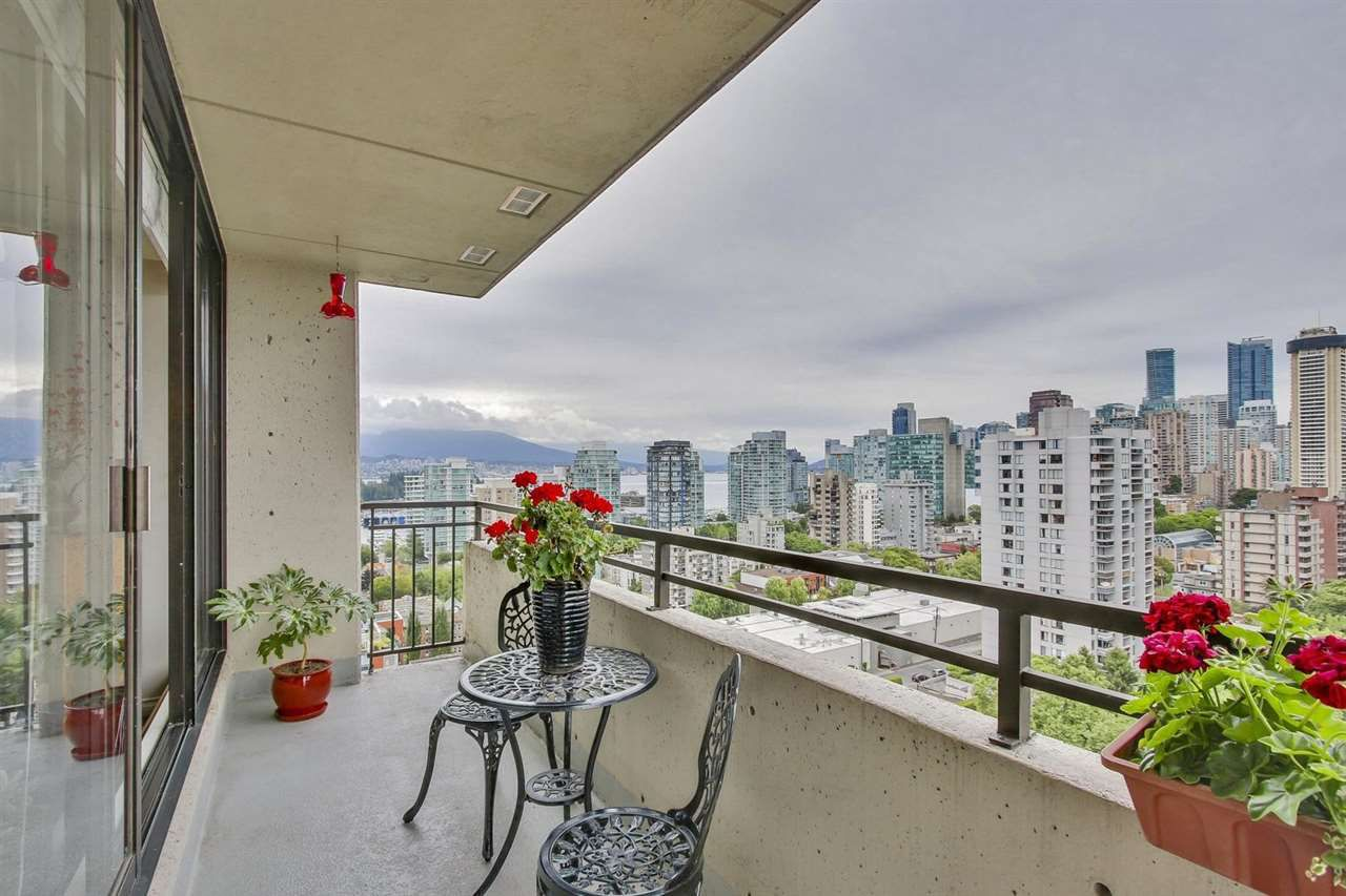"Main Photo: 1802 1816 HARO Street in Vancouver: West End VW Condo for sale in ""HUNTINGTON PLACE"" (Vancouver West)  : MLS®# R2191378"