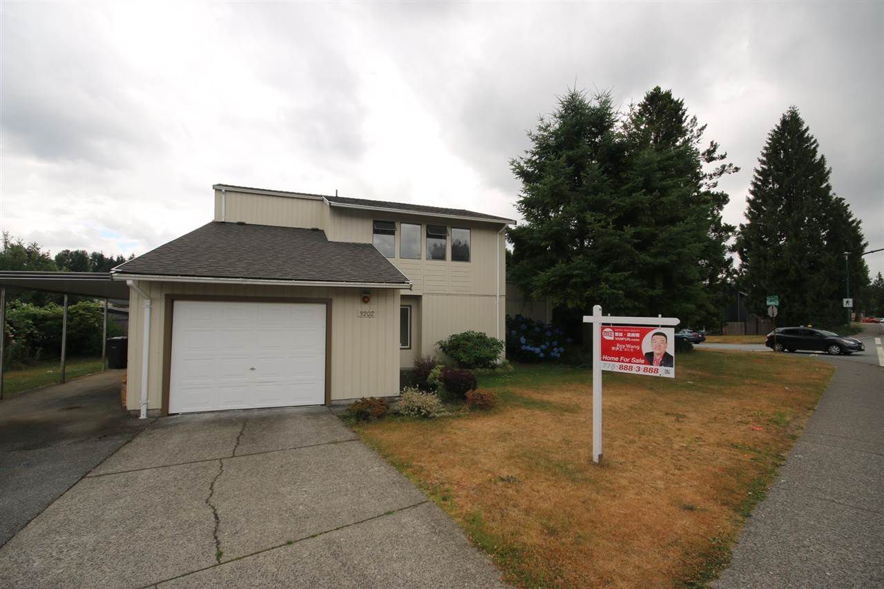 Main Photo: 3202 DUNKIRK Avenue in Coquitlam: New Horizons House for sale : MLS®# R2194295