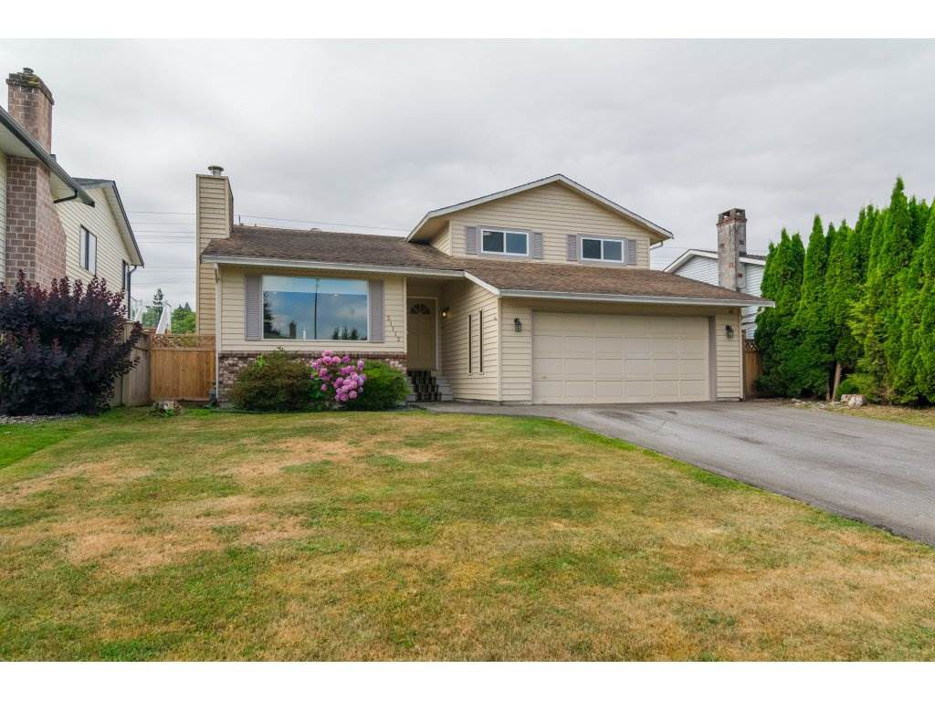 Main Photo: 21112 95A Avenue in Langley: Walnut Grove House for sale : MLS®# R2198138