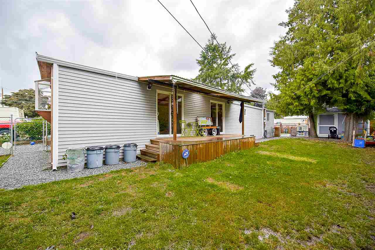 Photo 17: Photos: 31555 OAKRIDGE Crescent in Abbotsford: Poplar Manufactured Home for sale : MLS®# R2208110