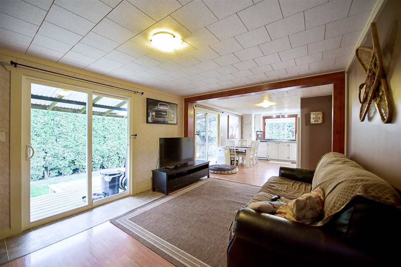 Photo 10: Photos: 31555 OAKRIDGE Crescent in Abbotsford: Poplar Manufactured Home for sale : MLS®# R2208110