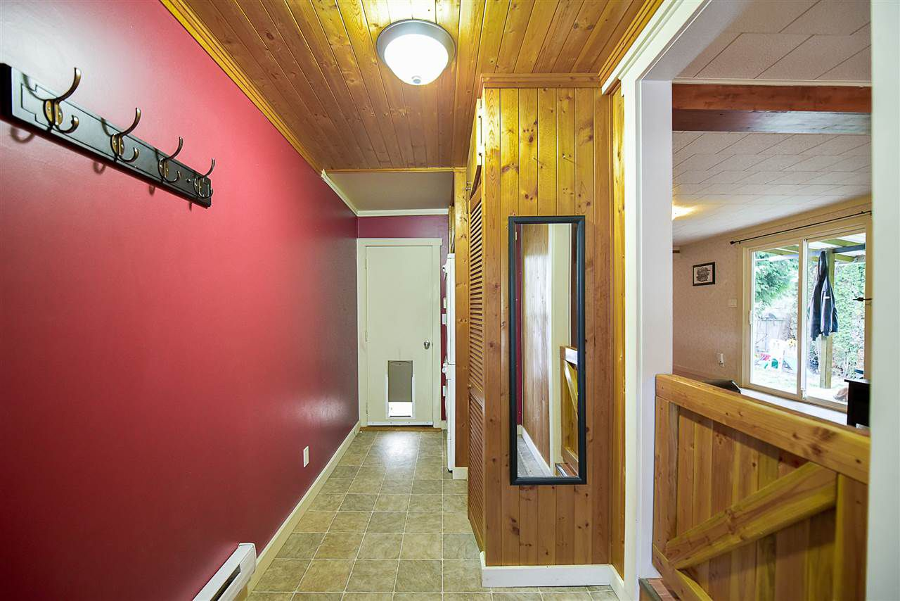 Photo 4: Photos: 31555 OAKRIDGE Crescent in Abbotsford: Poplar Manufactured Home for sale : MLS®# R2208110