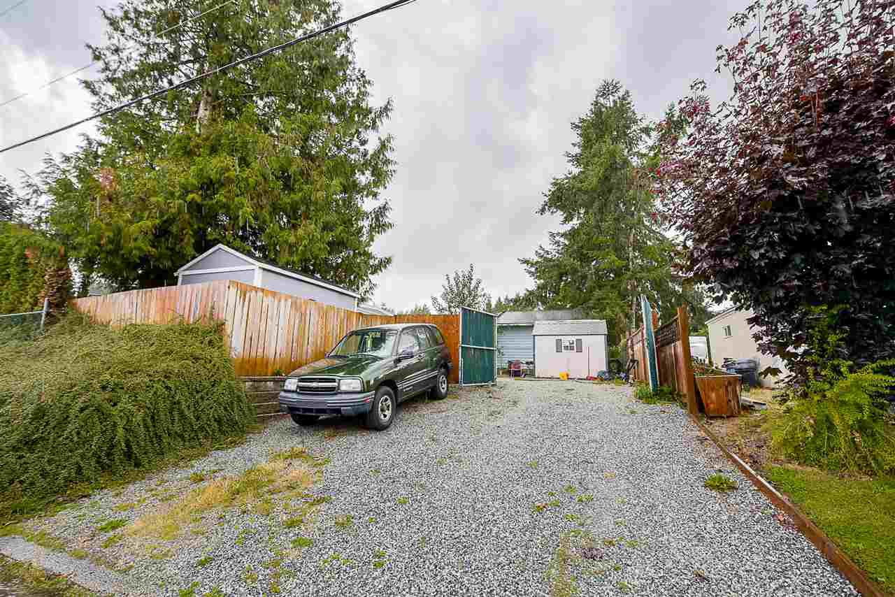 Photo 3: Photos: 31555 OAKRIDGE Crescent in Abbotsford: Poplar Manufactured Home for sale : MLS®# R2208110