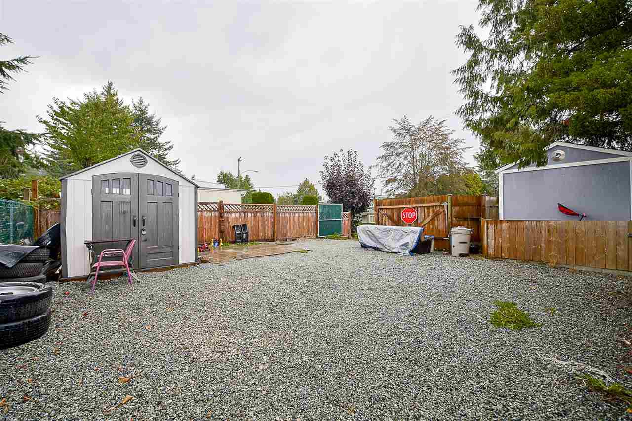 Photo 14: Photos: 31555 OAKRIDGE Crescent in Abbotsford: Poplar Manufactured Home for sale : MLS®# R2208110
