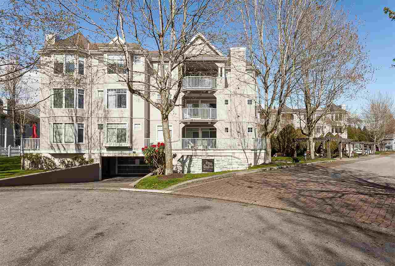 """Main Photo: 305 20897 57 Avenue in Langley: Langley City Condo for sale in """"ARBOUR LANE"""" : MLS®# R2358828"""