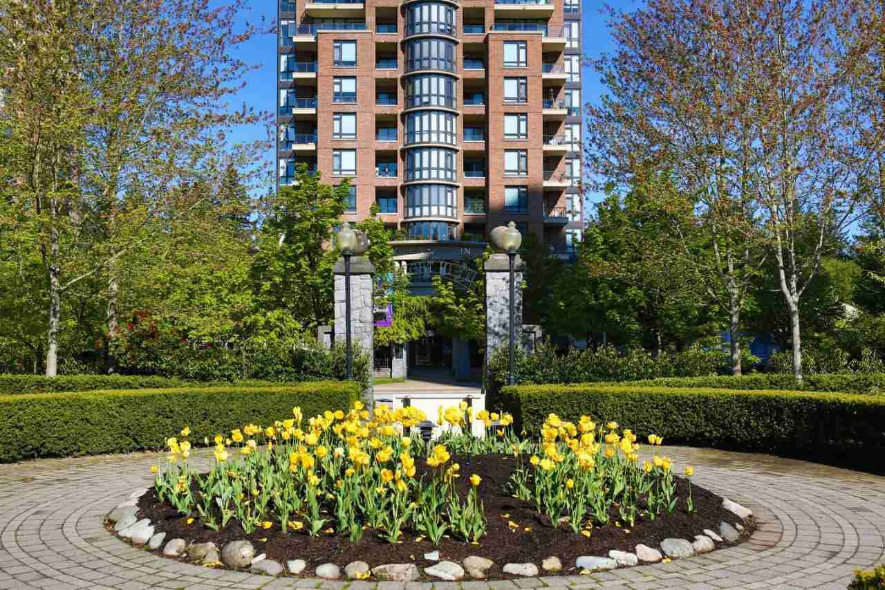 """Main Photo: 507 6833 STATION HILL Drive in Burnaby: South Slope Condo for sale in """"VILLA JARDIN"""" (Burnaby South)  : MLS®# R2369147"""