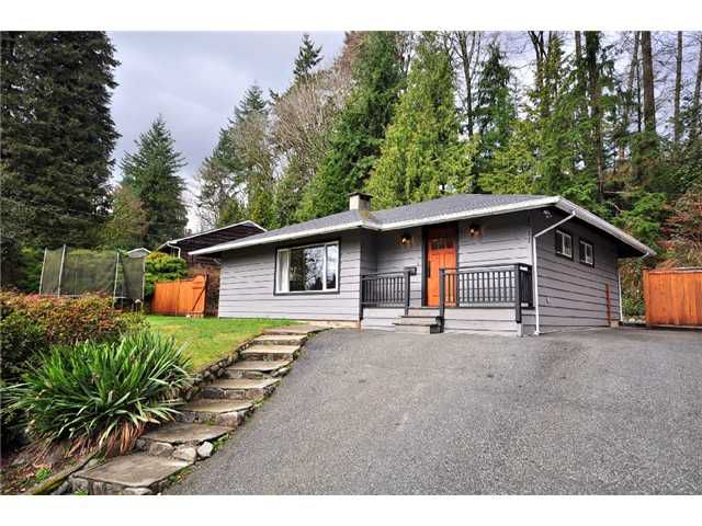 Main Photo: 1511 AVONLYNN in North Vancouver: Westlynn House for sale : MLS®# V875846