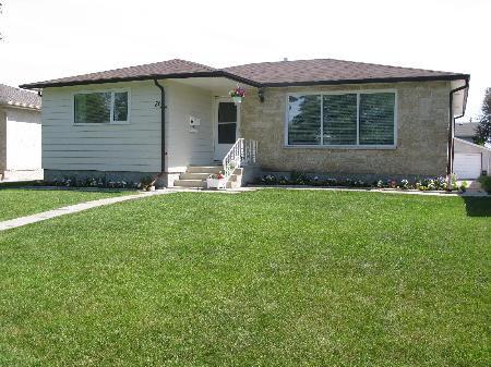 Photo 1: Photos: 86 WERRELL CR in WINNIPEG: Residential for sale (Valley Gardens)  : MLS®# 2912779