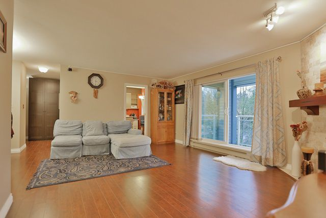 Main Photo: 301 5674 JERSEY Avenue in Burnaby: Central Park BS Condo for sale (Burnaby South)  : MLS®# R2018397
