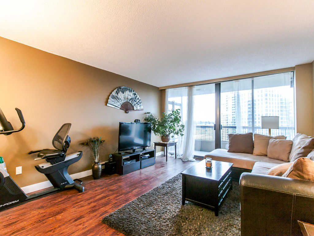 """Main Photo: 807 2041 BELLWOOD Avenue in Burnaby: Brentwood Park Condo for sale in """"ANGOLA PLACE"""" (Burnaby North)  : MLS®# R2027257"""