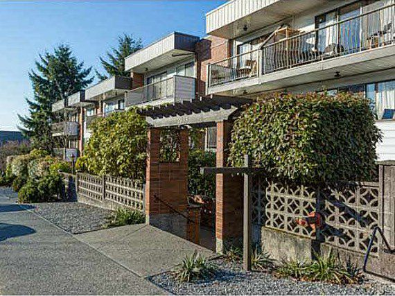 "Main Photo: 221 2033 TRIUMPH Street in Vancouver: Hastings Condo for sale in ""MACKENZIE HOUSE"" (Vancouver East)  : MLS®# R2093555"
