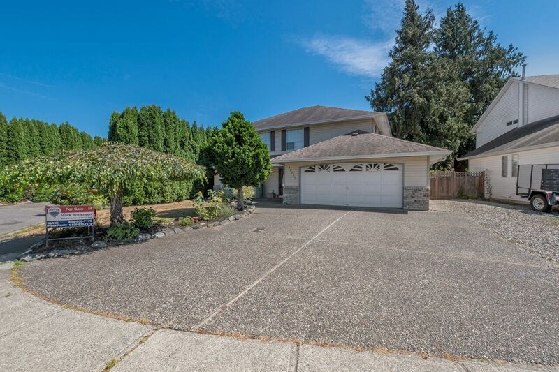 Main Photo: 44637 CUMBERLAND AVENUE in Sardis: Vedder S Watson-Promontory House for sale : MLS®# R2197629
