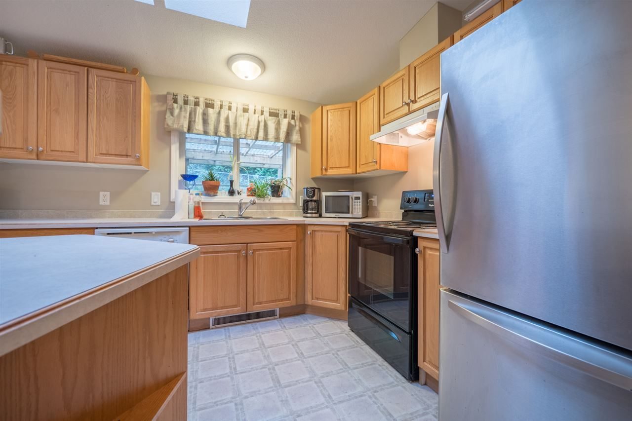 Photo 7: Photos: 6083 FAIRWAY Avenue in Sechelt: Sechelt District Manufactured Home for sale (Sunshine Coast)  : MLS®# R2232724
