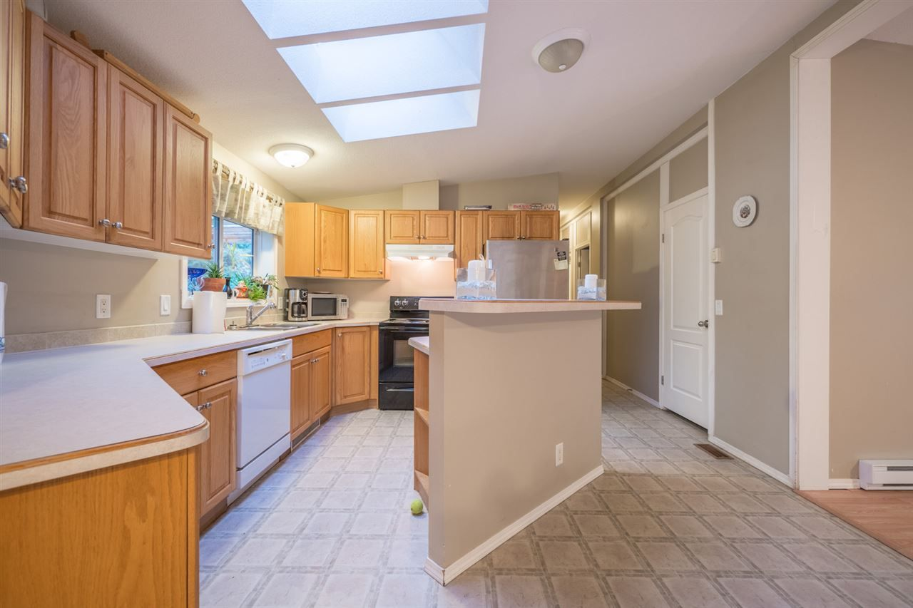 Photo 6: Photos: 6083 FAIRWAY Avenue in Sechelt: Sechelt District Manufactured Home for sale (Sunshine Coast)  : MLS®# R2232724