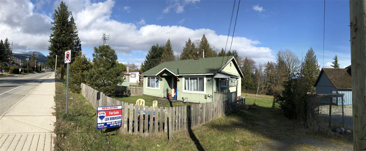 Main Photo: 672 NORTH Road in Gibsons: Gibsons & Area House for sale (Sunshine Coast)  : MLS®# R2246249