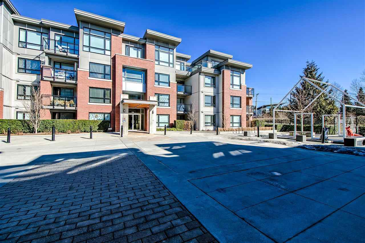 """Main Photo: 233 7088 14TH Avenue in Burnaby: Edmonds BE Condo for sale in """"RED BRICK"""" (Burnaby East)  : MLS®# R2352550"""