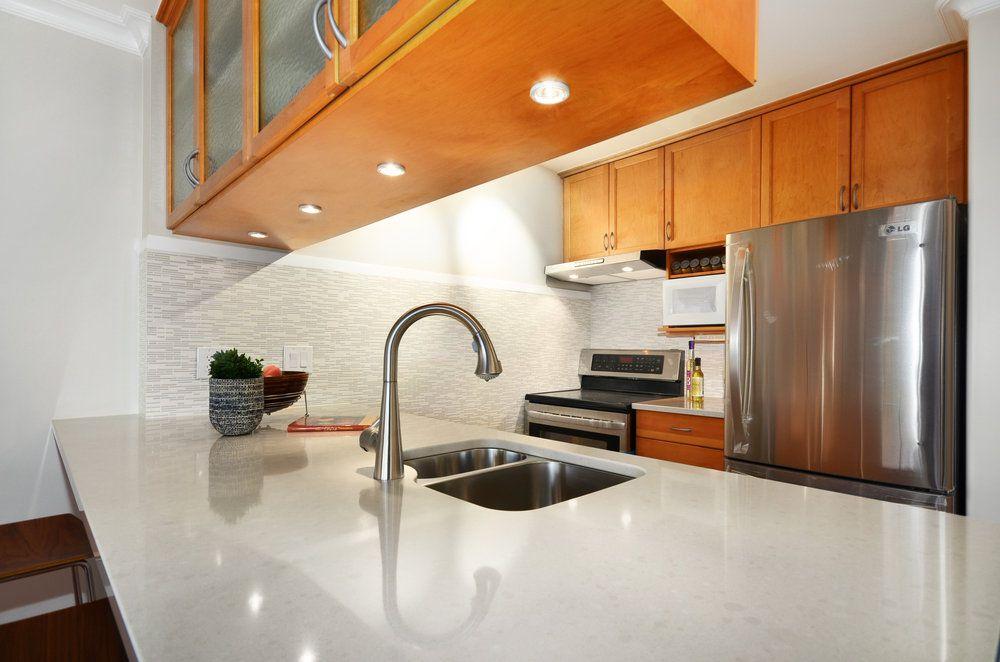 Main Photo: 303 1508 Mariner Walk in Mariner Point: False Creek Home for sale ()  : MLS®# V1025669