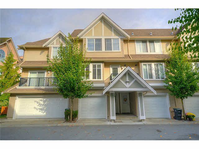 "Main Photo: 39 19141 124TH Avenue in Pitt Meadows: Mid Meadows Townhouse for sale in ""MEADOWVIEW ESTATES"" : MLS®# V1143058"
