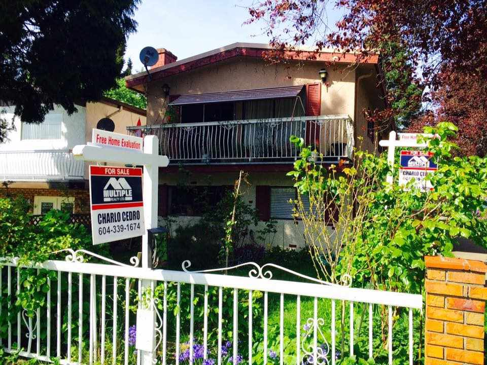 Main Photo: 4585 PRINCE ALBERT Street in Vancouver: Fraser VE House for sale (Vancouver East)  : MLS®# R2059103
