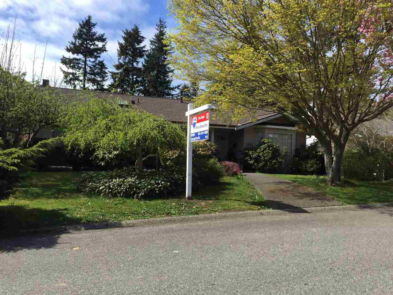 """Main Photo: 1841 128A Street in Surrey: Crescent Bch Ocean Pk. House for sale in """"OCEAN PARK"""" (South Surrey White Rock)  : MLS®# R2059471"""
