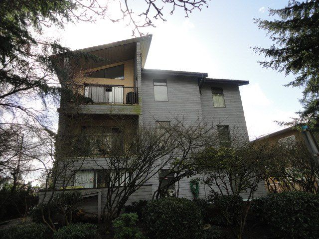 """Main Photo: 110 2390 MCGILL Street in Vancouver: Hastings Condo for sale in """"MCGILL MANOR"""" (Vancouver East)  : MLS®# R2074599"""
