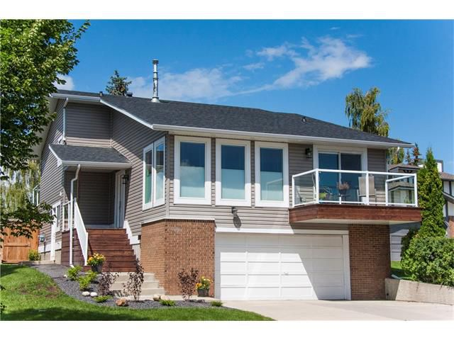 Main Photo: 252 RANCH ESTATES Drive NW in Calgary: Ranchlands House for sale : MLS®# C4076028