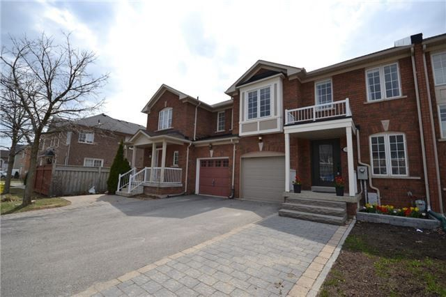 Main Photo: 12 Lucerne Drive in Vaughan: Vellore Village House for sale : MLS # N3758229 Marie Commisso Vaughan Real Estate