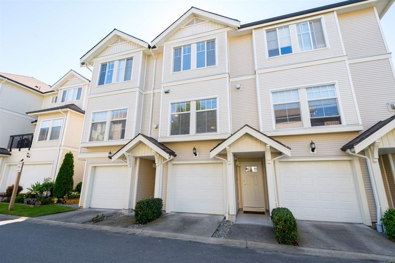 "Main Photo: 53 21535 88 Avenue in Langley: Walnut Grove Townhouse for sale in ""Redwood Lane"" : MLS®# R2181953"