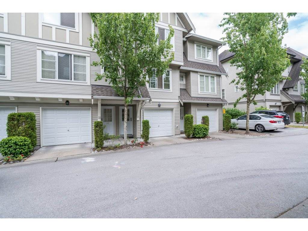 Main Photo: 116 15175 62A AVENUE in Surrey: Sullivan Station Townhouse for sale : MLS®# R2189769