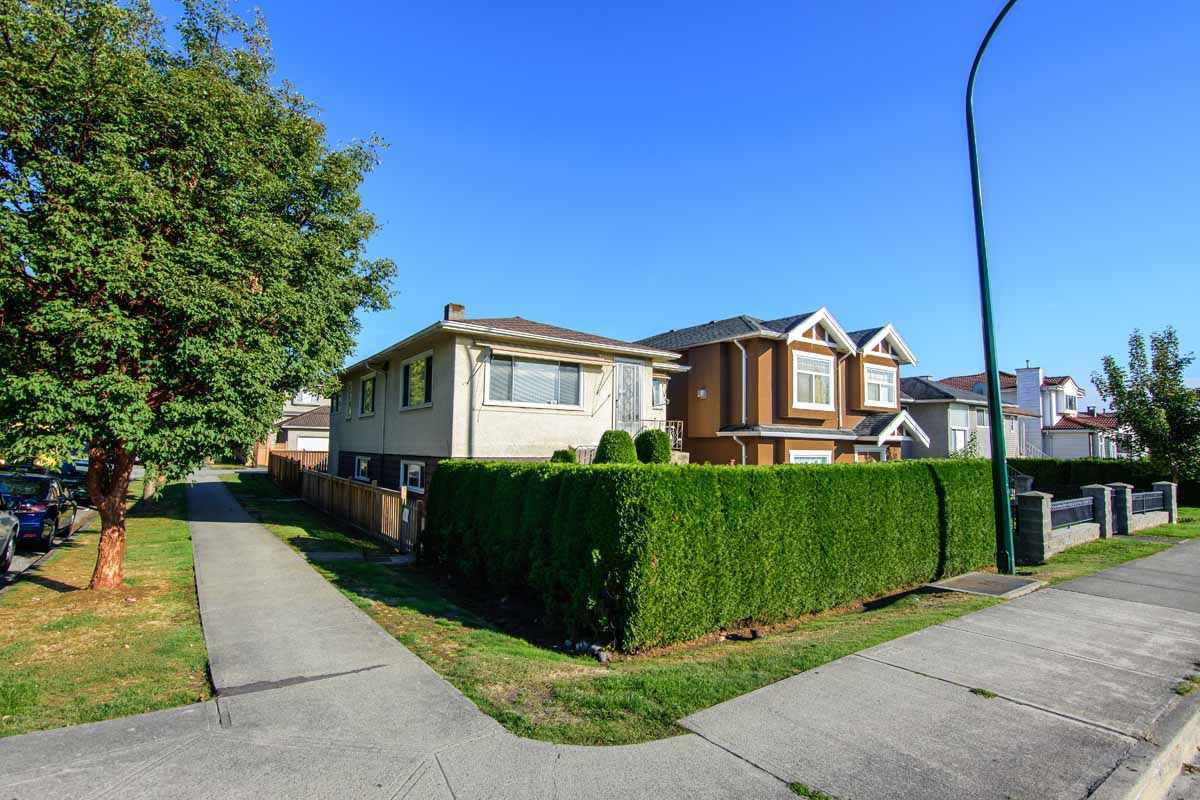 Main Photo: 5806 RUPERT Street in Vancouver: Killarney VE House for sale (Vancouver East)  : MLS®# R2210335